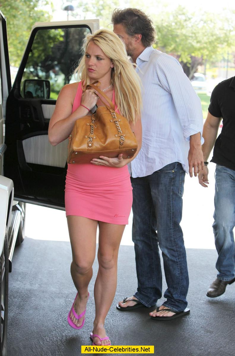 Britney Spears hard nipples in pink dress paparazzi shots