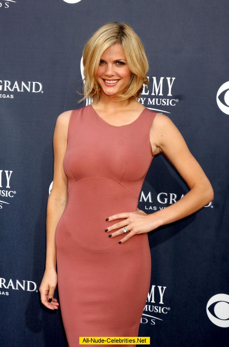 Brooklyn Decker In Tight Dress Posing At Country Music Awards-5187