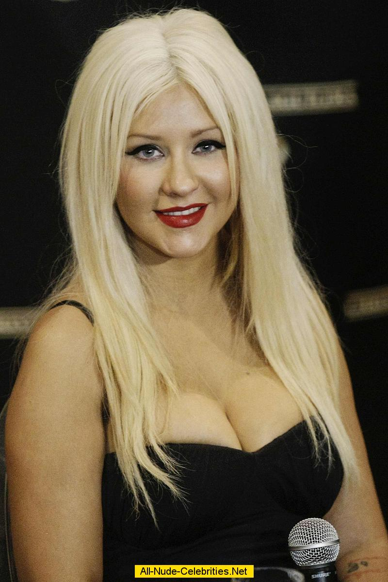 Christina Aguilera Shows Cleavage At Press Conference In Brazil-9102