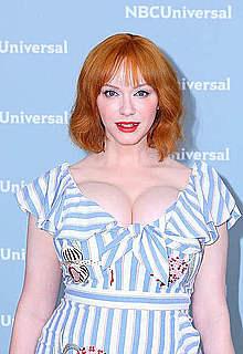 Busty redhead Christina Hendricks cleavage