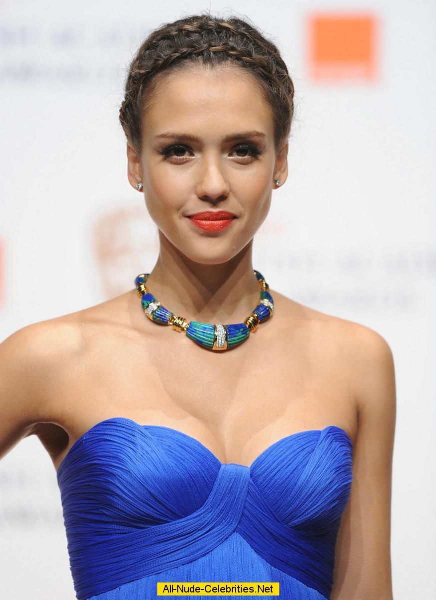 Jessica Alba - Famous Nipple