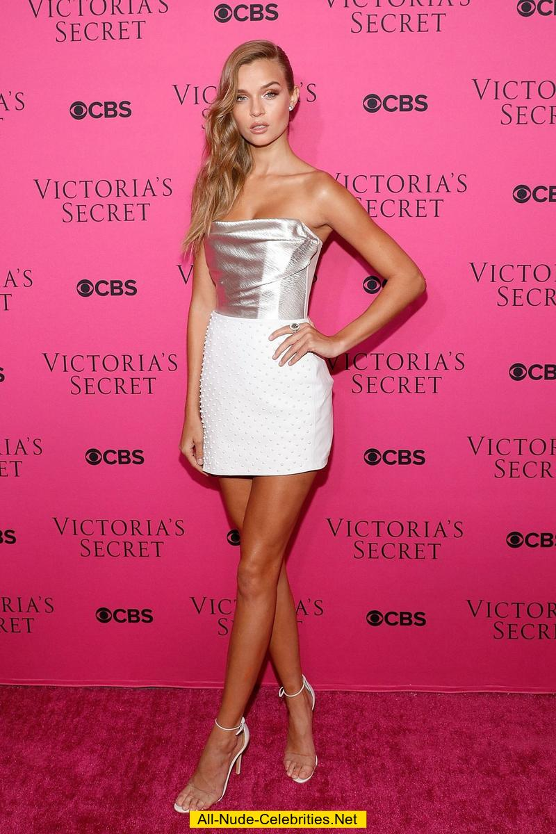 Josephine Skriver Long Sexy Legs At Vs Viewing Party-6007