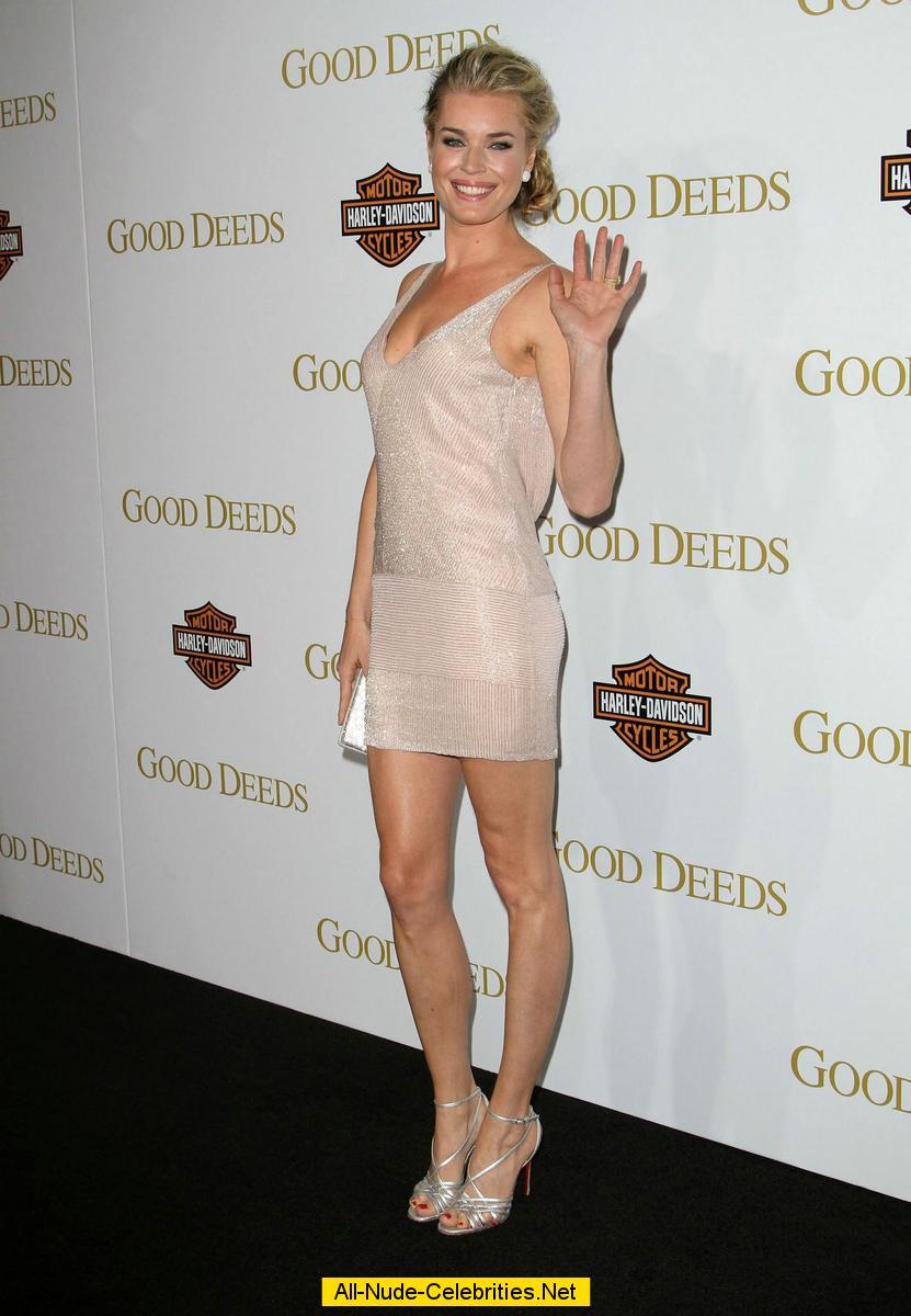 rebecca romijn spreading legs