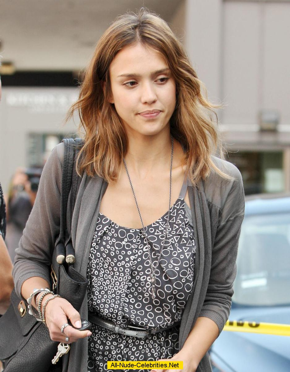 Jessica Alba Shows Her Legs In Beverly Hills Paparazzi Shots