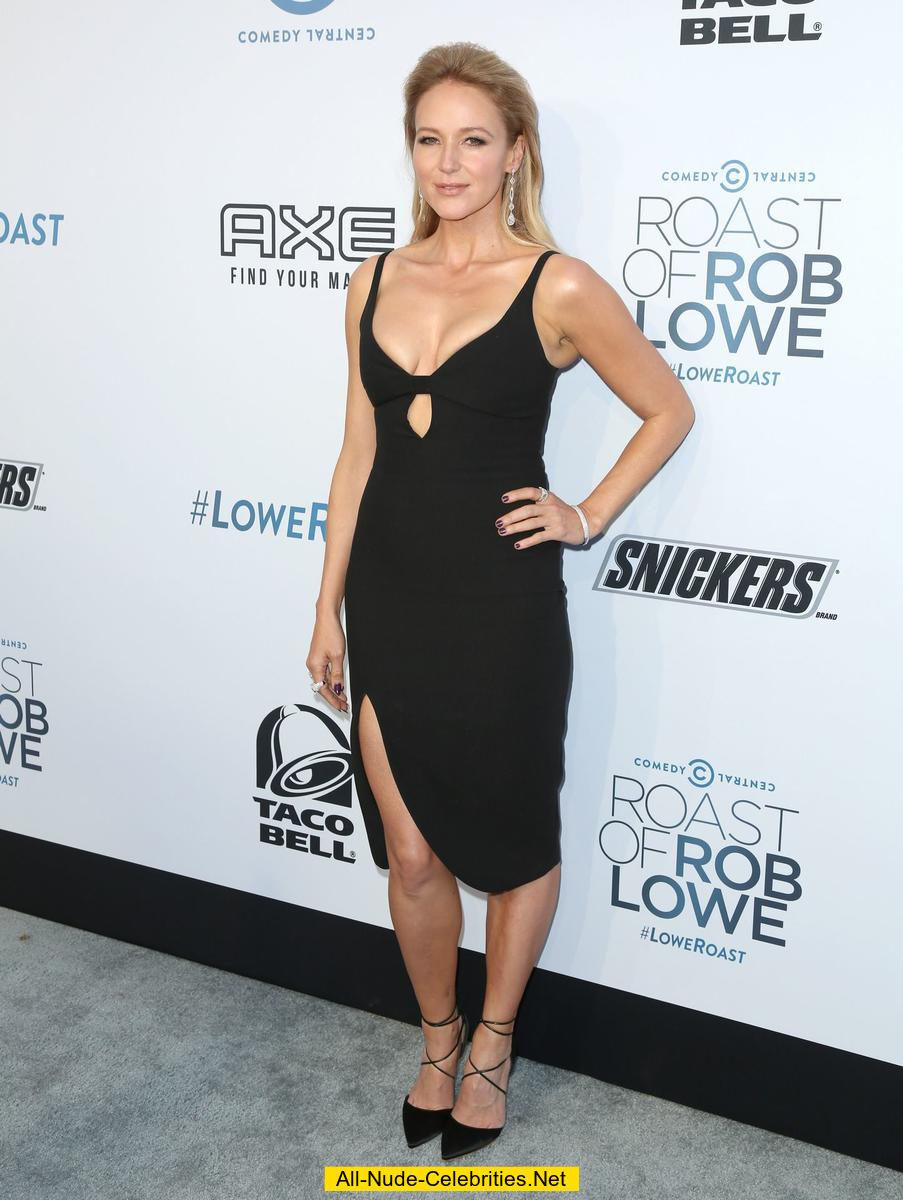 jewel kilcher cleavage