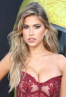 Kara Del Toro deep sexy cleavage at premiere