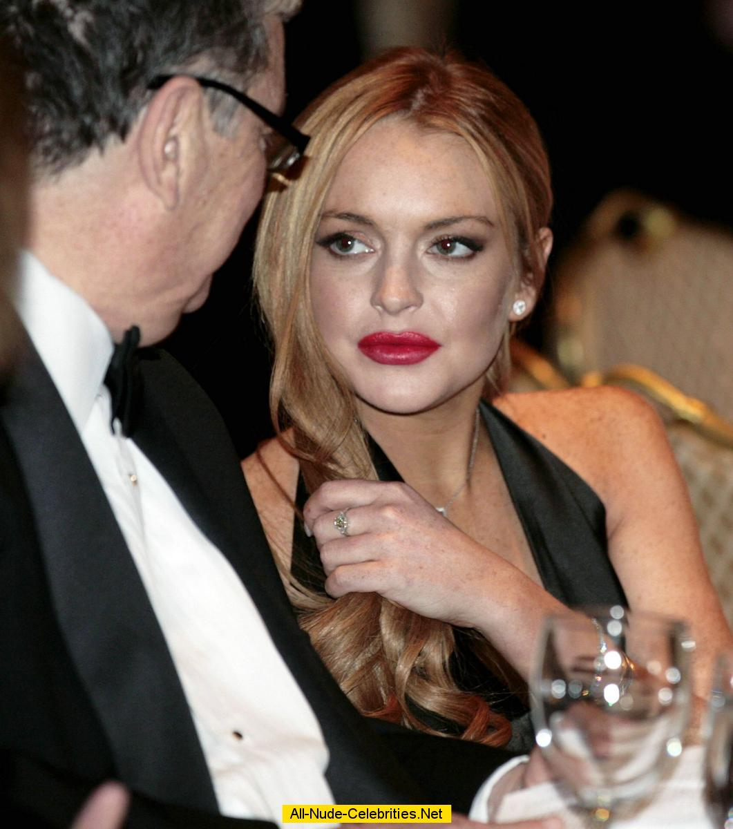 who is lindsay lohan dating now 2015