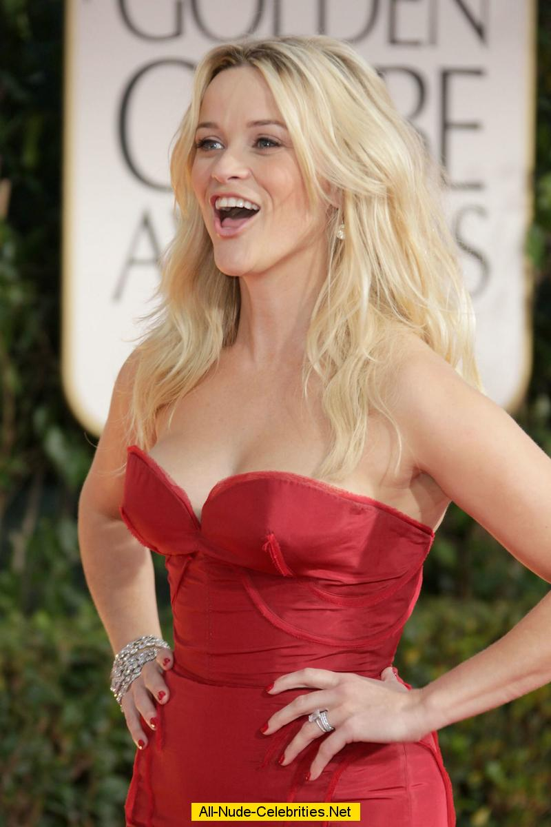 Reese Witherspoon posi... Reese Witherspoon